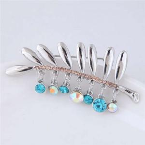 Rhinestone Embellished Leaf Design High Fashion Alloy Women Brooch - Silver