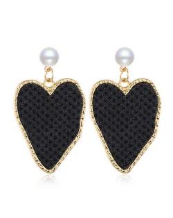 Golden Rimmed Irregular Heart Shape Design Women Fashion Statement Alloy Earrings - Black