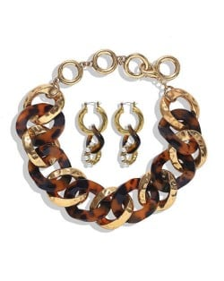 Creative Chain Design Cool Fashion Bold Alloy Women Statement Necklace and Earrings Set - Brown