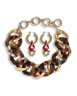 Creative Chain Design Cool Fashion Bold Alloy Women Statement Necklace and Earrings Set - Red