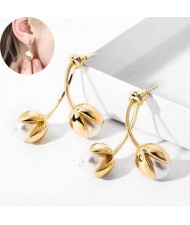 Elegant Golden Flower Bud Design Sweet Fashion Women Ear Studs