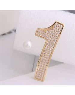 Cubic Zirconia Embellished One and Pearl Asymmetric Design High Fashion Women Earrings - Golden