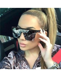 8 Colors Available Integrated Design Frame Street High Fashion Women Sunglasses