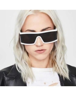 8 Colors Available Rivets Decorated Bold Style Punk Fashion Design Sunglasses