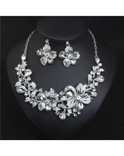 Crystal Graceful Flowers Bridal Fashion Bib Necklace and Earrings Set - White