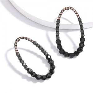 Rhinestone Hollow Waterdrop Design Graceful Women Statement Earrings - Black