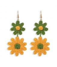 Mini Beads Dangling Dual Daisy Design High Fashion Women Shoulder-duster Earrings - Green and Yellow