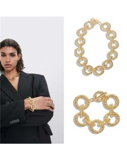 Hip Pop Fashion Golden Hoop Chain Design Chunky Alloy Necklace and Bracelet Jewelry Set