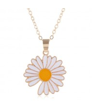 Summer Fashion Adorable Enamel Daisy Pendant Women Costume Necklace - White