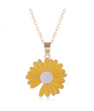 Summer Fashion Adorable Enamel Daisy Pendant Women Costume Necklace - Yellow