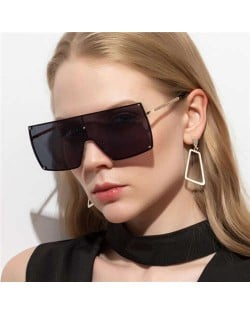 4 Colors Available Integrated Glass Design Oversized Frame Fashion Women/ Men Sunglasses