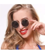 4 Colors Available Stars Engraved Vintage Round Frame Fashion Women/ Men Sunglasses