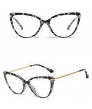 6 Colors Available Elegant Cat Eye Design Slim Frame High Fashion Women Sunglasses