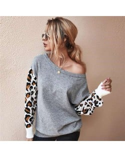 Contast Colors Leopard Prints Long Sleeves Autumn and Winter Fashion Women Top - Gray