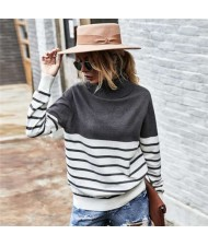 Stripes Design Contast Colors Long Sleeves Autumn and Winter Fashion Women Top - Gray