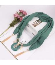 Hollow Vase Design Pendant with Tassel Chains Decoration Design Women Scarf Necklace - Green