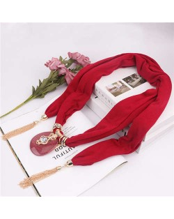 Hollow Vase Design Pendant with Tassel Chains Decoration Design Women Scarf Necklace - Red