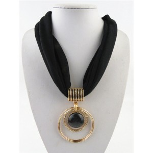 Artificial Turquoise Inlaid Alloy Hoops Pendant Design Women Scarf Necklace - Black