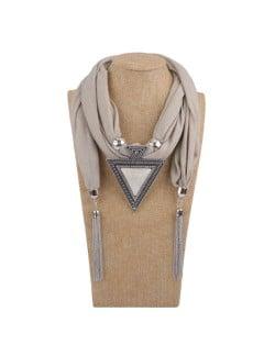 Resin Gem Inlaid Vintage Triangle Pendant High Fashion Women Scarf Necklace - Khaki