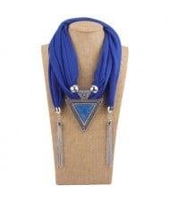 Resin Gem Inlaid Vintage Triangle Pendant High Fashion Women Scarf Necklace - Royal Blue