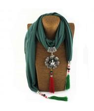 Rhinestone Flower Pendant Tassel Design Vintage Fashion Women Scarf Necklace - Green