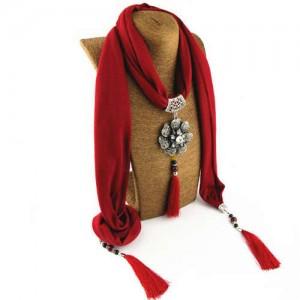 Rhinestone Flower Pendant Tassel Design Vintage Fashion Women Scarf Necklace - Red