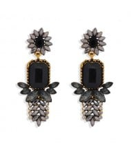 Rhinestone Flower Pattern Bling Fashion Women Alloy Wholesale Earrings - Black