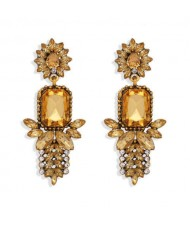 Rhinestone Flower Pattern Bling Fashion Women Alloy Wholesale Earrings - Champagne