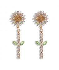 Rhinestone Bohemian Fashion Sunflower Party Style Women Costume Earrings - White