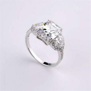 Delicate Design Cubic Zirconia 18K Platinum Plated Women Ring