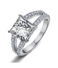 Cubic Zirconia Embellished Four Claws 18K Platinum Plated Women Ring