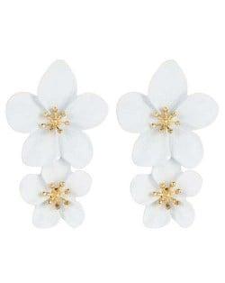 Golden Stamen Dual Flowers Bohemian Fashion Tassel Design Women Earrings - White