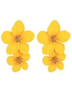 Golden Stamen Dual Flowers Bohemian Fashion Tassel Design Women Earrings - Yellow