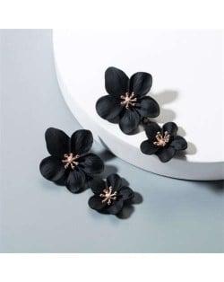 Golden Stamen Dual Flowers Bohemian Fashion Tassel Design Women Earrings - Black