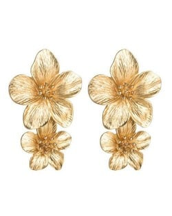Golden Stamen Dual Flowers Bohemian Fashion Tassel Design Women Earrings - Golden