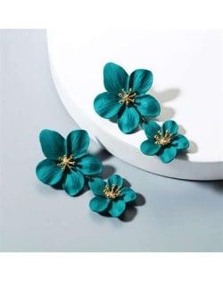 Golden Stamen Dual Flowers Bohemian Fashion Tassel Design Women Earrings - Teal