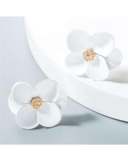 Internet Celebrity Preferred Multi-layered Flower Bohemian Fashion Women Stud Earrings - White