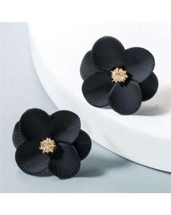 Internet Celebrity Preferred Multi-layered Flower Bohemian Fashion Women Stud Earrings - Black