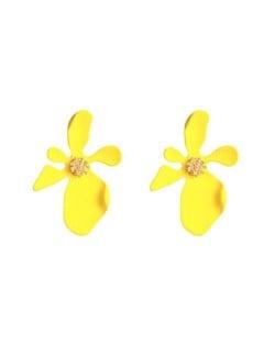 Golden Stamen Artistic Flower Design High Fashion Women Costume Earrings - Yellow