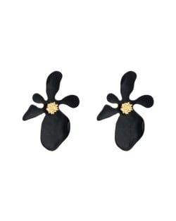 Golden Stamen Artistic Flower Design High Fashion Women Costume Earrings - Black