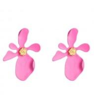 Golden Stamen Artistic Flower Design High Fashion Women Costume Earrings - Rose