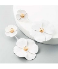 Painted Flowers Sweet Fashion Korean Style Dangling Women Alloy Earrings - White