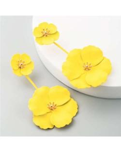 Painted Flowers Sweet Fashion Korean Style Dangling Women Alloy Earrings - Yellow