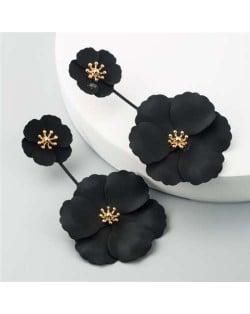 Painted Flowers Sweet Fashion Korean Style Dangling Women Alloy Earrings - Black