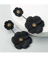 Painted Flowers Sweet Fashion Korean Style Dangling Women Alloy Earrings - Black