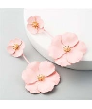 Painted Flowers Sweet Fashion Korean Style Dangling Women Alloy Earrings - Pink