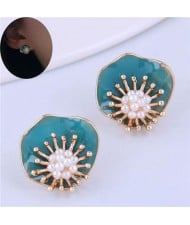 Artificial Pearls Inlaid Artistic Design Flower High Fashion Women Costume Earrings
