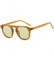 Vintage Fashion Rivets Embellished Frame Jelly Color High Fashion Sunglasses