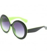 6 Colors Available Vintage Bold Frame Round Design High Fashion Women Sunglasses