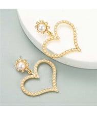 U.S. High Fashion Rhinestone Adorable Heart Design Women Stud Earrings - Pearl